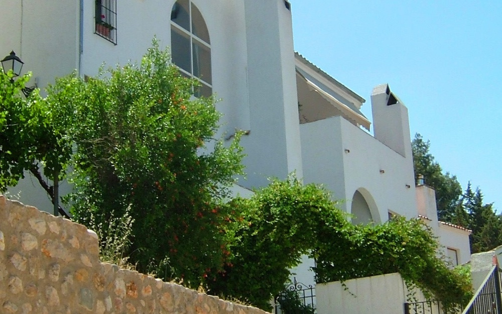 "Amazing Main House with Apartments ""Huertos de Segura"""