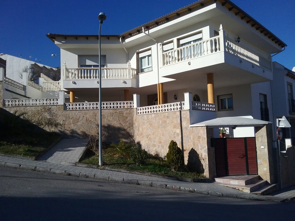 Beautiful Family House in Quesada