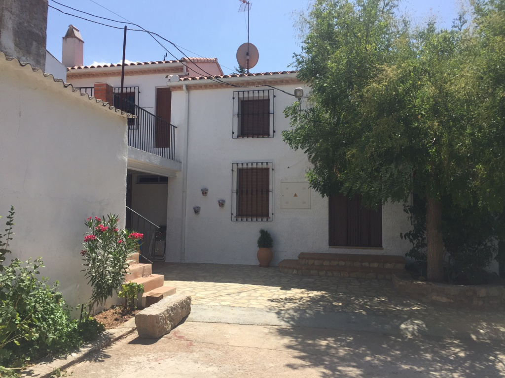 """Country house in """"El Carrascal"""""""